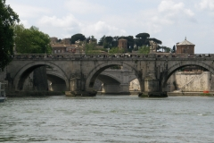 Rome_Tiber_May2006_02